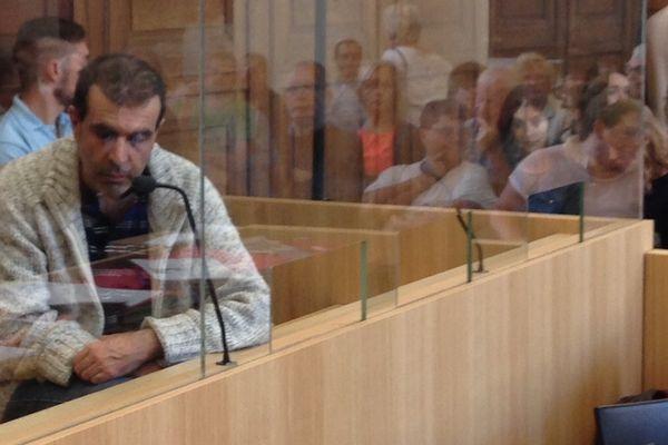 Jean-Pierre Mura a refusé de répondre aux questions de la cour d'assises, au 6ème jour de son procès à Chalon-sur-Saône.