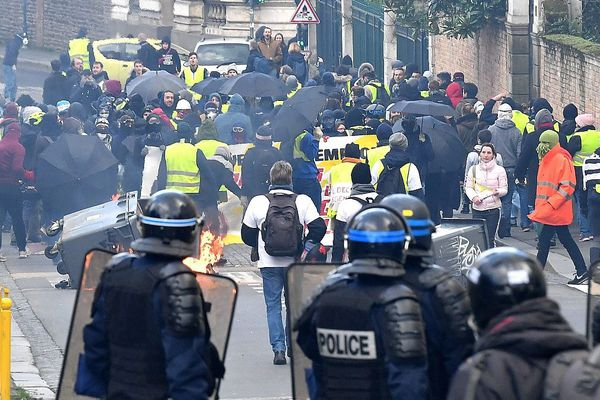 Affrontements avec la police lors de la manifestation du 2 février à Rennes