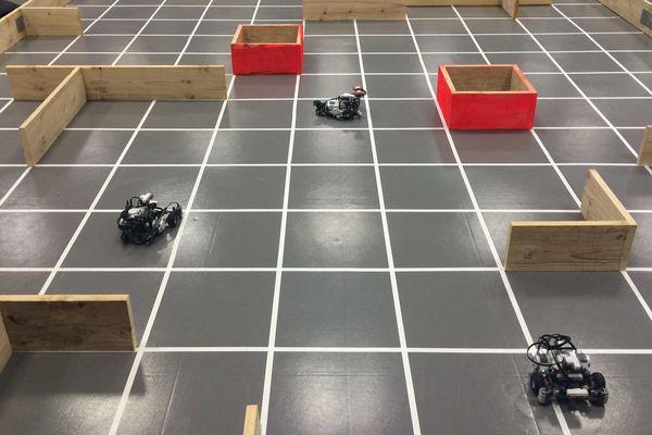 Des robots en Lego en compétition à Clermont-Ferrand, le 27 juin 2016.