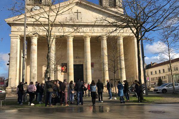 Olivier Ertzscheid, maître de conférences en information et communication à l'université de Nantes, tient cours dans la rue