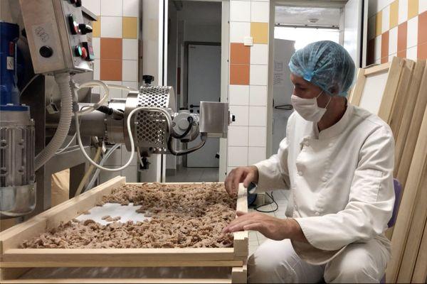 La machine à pâtes a été importée d'Italie.