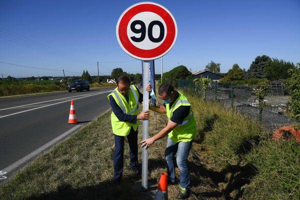250 panneaux ont été changés en un temps record sur le réseau routier creusois.