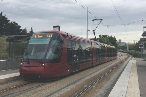 La ligne A du tramway, à Clermont-Ferrand, est toujours perturbée dans le quartier Nord de la ville.