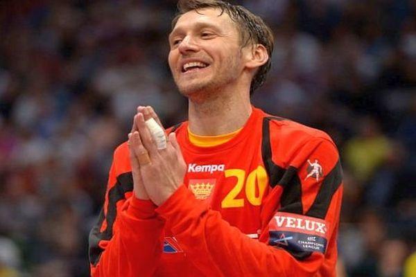 Venio Losert, né le 25 juillet 1976 à Zavidovići, est un handballeur croate, évoluant au poste de gardien de but - 2013.