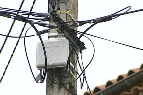 Les habitants du lieu-dit Saugère sont sans téléphone ni internet depuis plus d'un mois. (Image d'illustration)