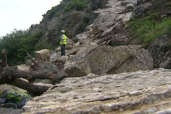 A Alleyras (43), la route départementale 40 est bloquée depuis trois mois.