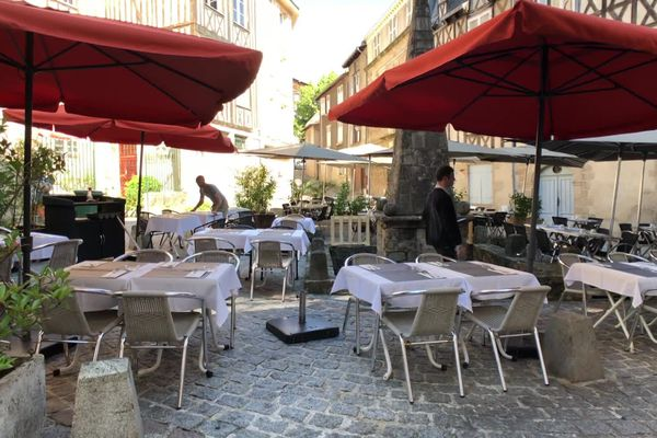 La réouverture des restaurants le 2 juin a t-elle fait revenir les clients ? Quelques uns ont préféré attendre la fin de la semaine pour espérer plus de clients