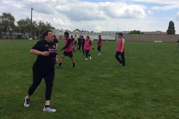 Une fois par semaine, des patientes du CHRU atteintes de cancer et de maladies chroniques se retrouvent au stade Matter de Nancy pour un entrainement de rugby.