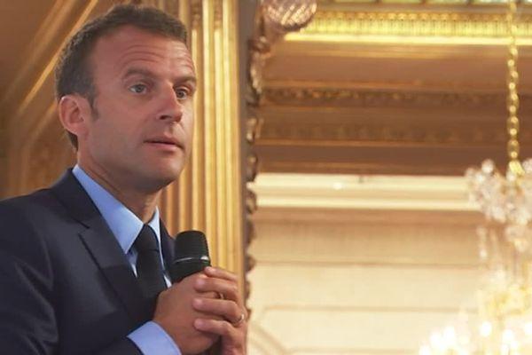 Emmanuel Macron en visite pendant deux jours en Dordogne pour parler notamment de la nouvelle organisation de l'Etat et l'accessibilité aux Services Publics