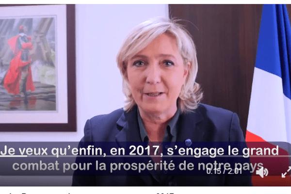 Marine Le Pen a présenté ses voeux aux Français samedi 31 décembre 2016 sur son compte twitter