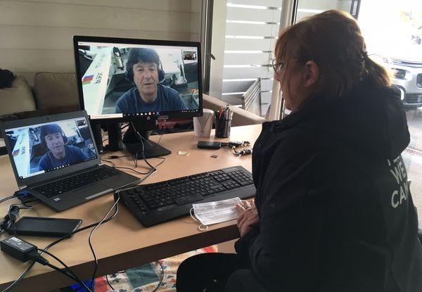 Liaison vidéo pour Jean Le Cam et sa femme, Anne