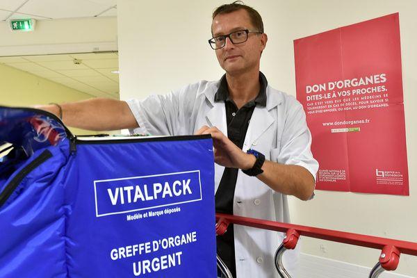 Don d'organes au CHRU de Lille avec le Docteur Guillaume Strecker coordinateur du don d'organes -  Lille le 06/04/2015 Don