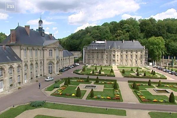 l'abbaye de Prémontré et sa grande cour d'honneur