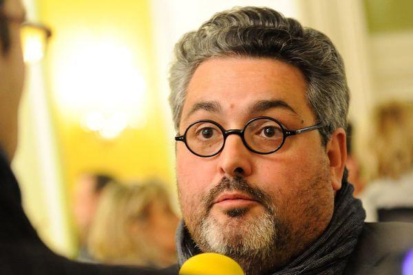 A Clermont-Ferrand où Emmanuel Macron, le président élu, a obtenu plus de 80% des suffrages exprimés, le maire socialiste, Olivier Bianchi, a insisté sur la nature de ce vote. Selon lui: « Il ne s'agit pas uniquement d'un vote d'adhésion ».