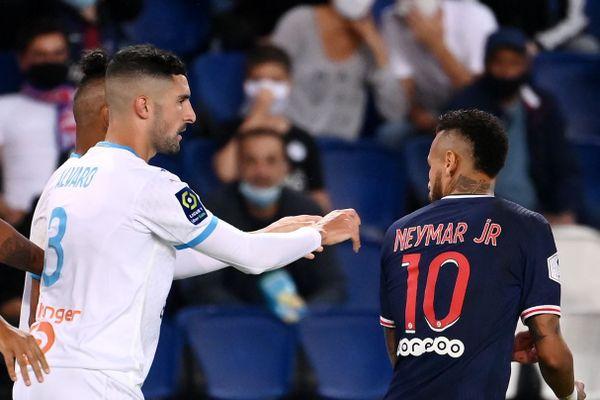 Alvaro Gonzalez et Neymar, en toute fin de match dimanche soir au Parc des Princes.