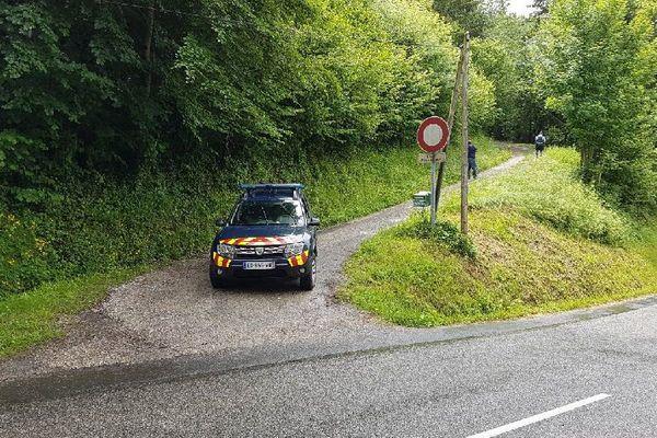 Les gendarmes ont notamment investi une maison isolée près de Bélesta (Ariège)