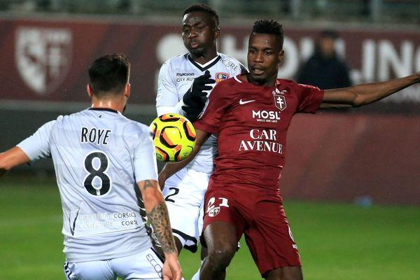 Ligue 2: Le GFC Ajaccio s'incline chez le leader Metz pour la 15e journée.