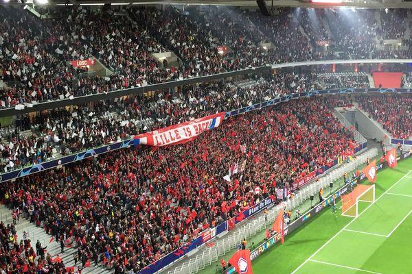 Les supporters du Losc, lors d'un match de Ligue des champions contre Chelsea, au stade Pierre-Mauroy, le 2 octobre 2019.