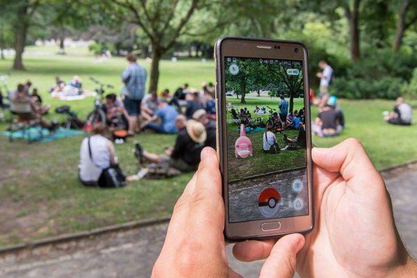 L'application se base sur les systèmes de géolocalisation et de photo du téléphone (illustration)