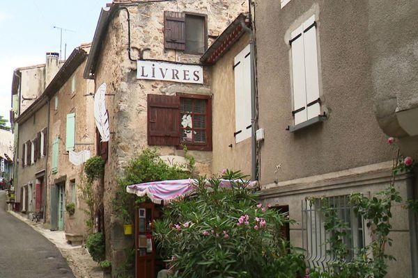 Montolieu - Le village compte au total 17 librairies  -01.07.20