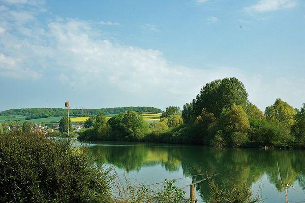 En Seine-Maritime, un LUNDI ensoleillé et à peine nuageux sur la  Vallée de la Bresle.