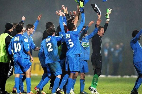 La joie des joueurs de Raon à l'issue de la rencontre victorieuse face à Istres mercredi 23 janvier 2013