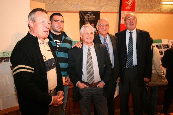 Marcel Puget, au centre, ici en 2007 avec 4 autres Internationaux. De gauche à droite : Gérard Marchadou , Alexandre Basten, Marcel Puget, Jean-Claude Berejnoï et Roger Fite.