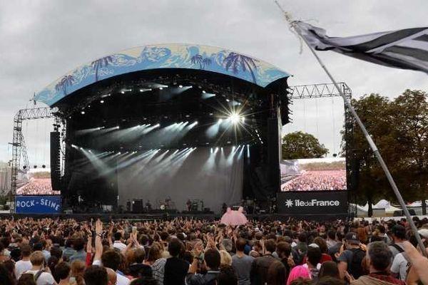 la 12e édition de Rock en Seine se déroulera les 22, 23 et 24 août 2014 au Domaine national de Saint-Cloud.