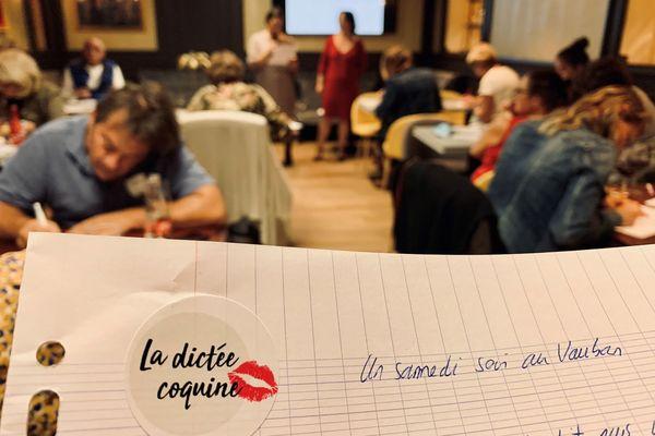 Pour cette 2e dictée coquine à Brest, une trentaine de personnes a planché sur un texte original, imaginé par les deux organisatrices de l'événement
