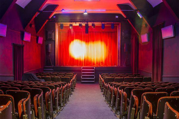 Le théâtre privé Monsabré à Blois, fermé depuis le 28 octobre, peut accueillir jusqu'à 240 personnes.