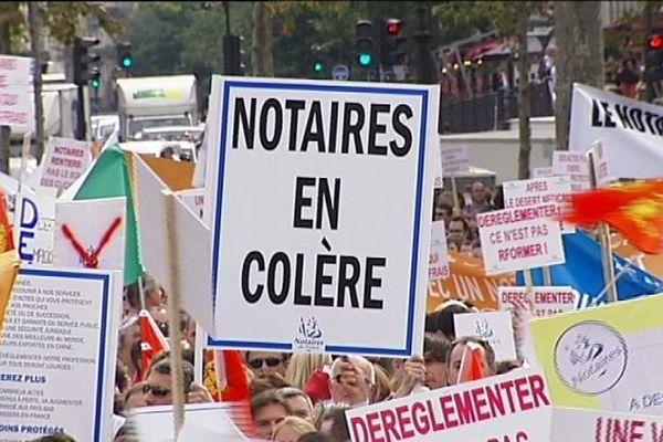 17/09/14 - Manifestation des notaires à Paris contre la réforme des professions réglementées