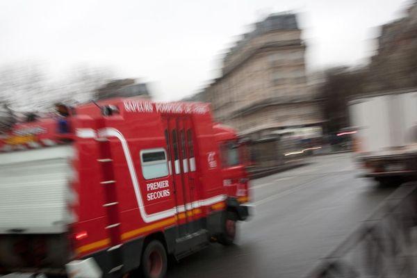 Un feu a détruit un appartement du 12e arrondissement de Paris, faisant trois blessés (illustration).
