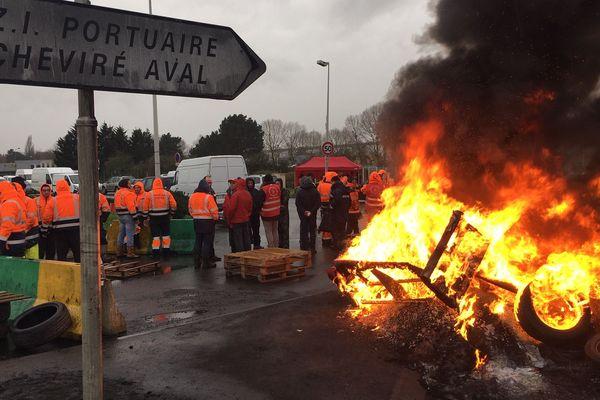 Les dockers du port de Nantes/Saint-Nazaire en grève, le 15 janvier 2020