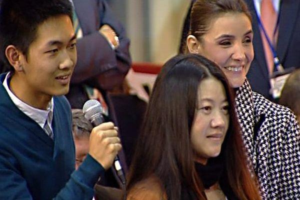 La pièce du président a été adjugée 131 000 euros à Yan Hong Cao, une femme d'affaires chinoise, lors de la 153e vente des vins des Hospices de Beaune
