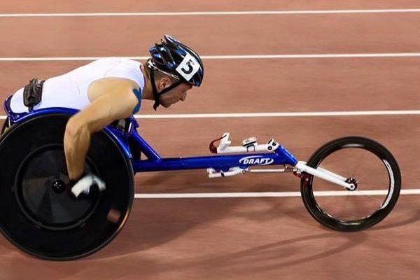 Julien Casoli et le relais français en bronze aux mondiaux 2015