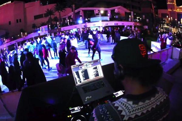 L'heure du disco sur glace comme à Vegas.