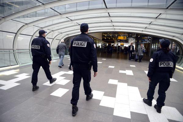 Pia s'est surtout sentie mal traitée par la policière appelée par l'agente de sécurité à l'aéroport de Blagnac.