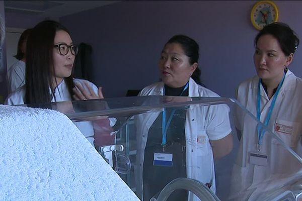 Le service maternité a particulièrement retenu l'attention des visiteurs venus d'Asie.