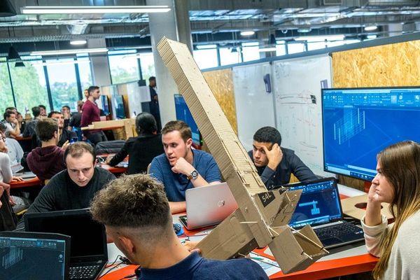 Les métiers de la Tech' sont très recherchés dans la recherche, les énergies renouvelables et l'environnement.