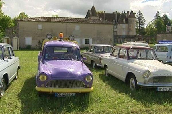 Le château de la Barge accueille le rassemblement national 2013 du club Simca France