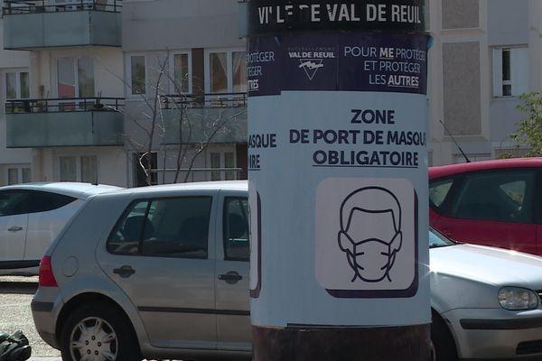 Dans certains zones de la commune de Val-de-Reuil, le masque est obligatoire jusqu'au 1er septembre