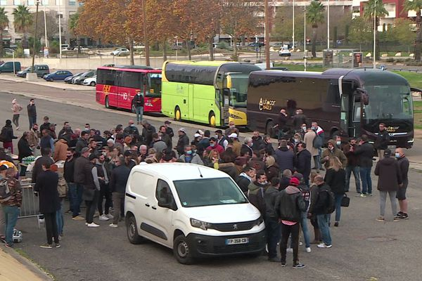 Nîmes - des restaurateurs partent manifester à Marseille - 26 novembre 2020.
