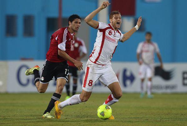 """Fakhreddine Ben Youssef (en blanc), décrit par ses agents comme """"le Gareth Bale tunisien"""""""