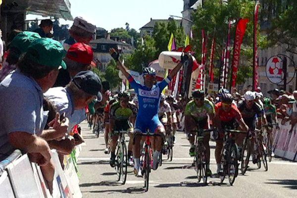 Danilo Napolitano vainqueur de la 3ème étape des Boucles de la Mayenne 2015, mais c'est Antony Turgis qui remporte l'épreuve
