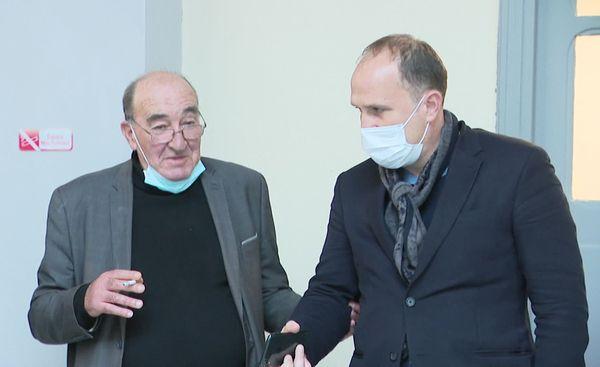 Joseph Castelli (à gauche) à quelques minutes des réquisitions.