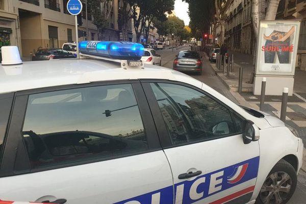 Un homme armé est retranché dans un immeuble du quartier Sakakini-Chave à Marseille, le périmètre est bouclé.