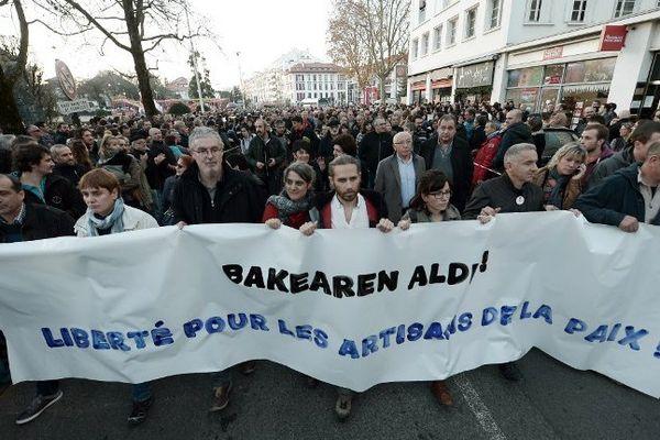 Des manifestants de l'ETA lors d'une marche à Bayonne, le 17 décembre 2016.