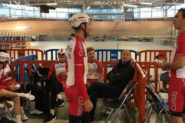 L'équipe Cofidis au Vélodrome de Roubaix