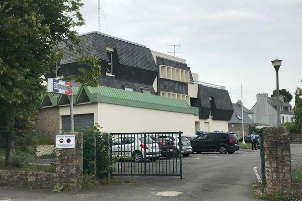C'est à la gendarmerie de Landerneau qu'une femme a été placée en garde à vue à la suite d'une chute du peloton du Tour de France pendant la première étape dans le Finistère