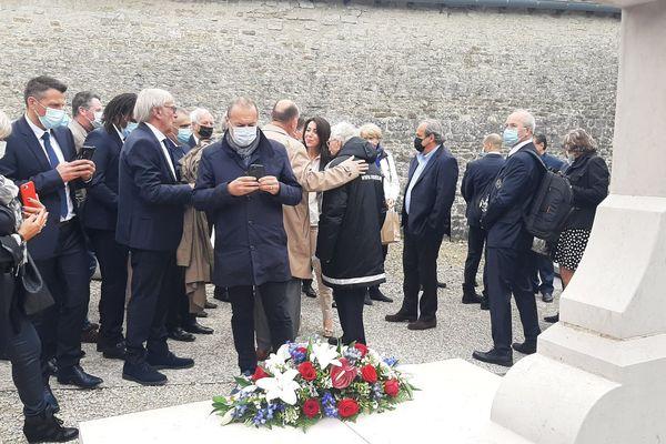 visite sur la tombe du général de Gaulle